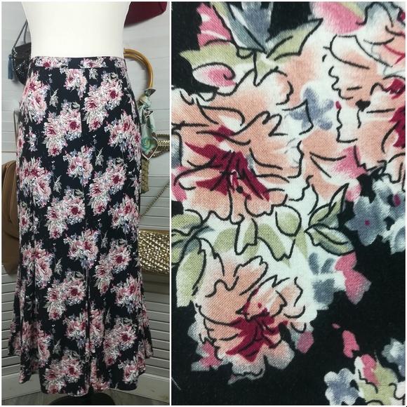 Christopher & Banks Dresses & Skirts - Christopher & Banks Floral Godet Flare Mid…